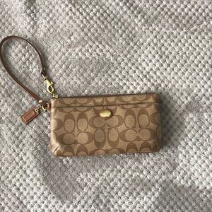 Coach wallet!!! Used but still good condition!